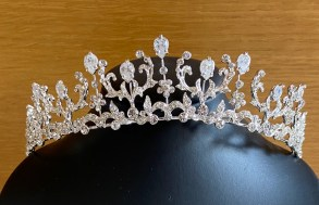 Silver tiara with glass beads and diamante - 33mm
